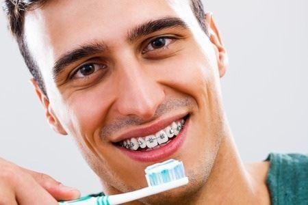 نکات دیگری برای مراقبت از دندانها در حین استفاده از سیمکشی و بریسهای دندان